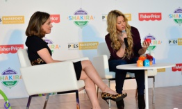 Shakira colabora con Fisher Price