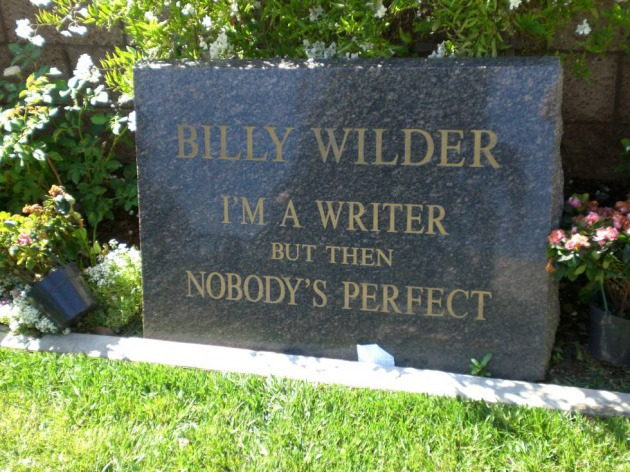 Tumba de Billy Wilder, en el cementerio Westwood Village Memorial Park.