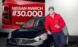 Nissan sorprende al propietario número 30.000 de Nissan March con la nueva versión March Connect
